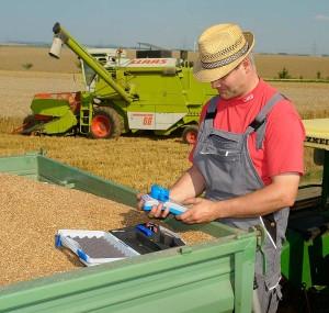 Getreidefeuchte messen, © Pfeuffer