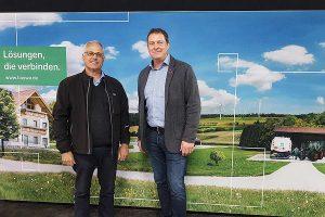 Die Landwirte Jürgen Rüdt (l.) und Joachim Unger, © BayWa