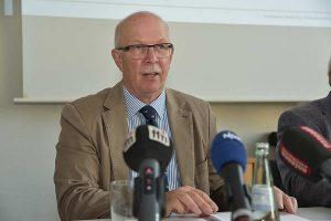 Kammerpräsident Gerhard Schwetje berichtete am 15. Oktober in Hannover über die Ernte 2019, © Nadine Spille