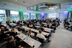 Rund 150 Teilnehmer aus 22 Ländern waren der Einladung nach Wiesbaden gefolgt und erlebten zwei erkenntnisreiche Tage, © RIGK